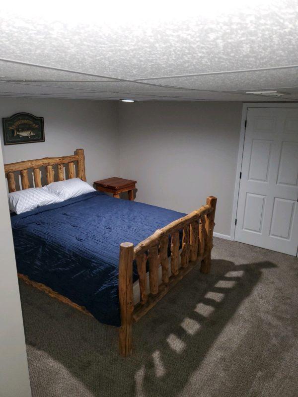 Downstairs Bedroom 3, Queen